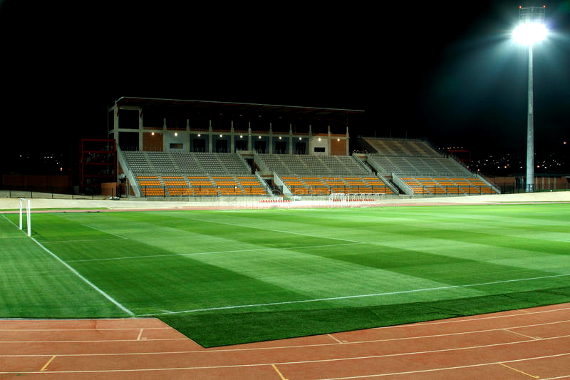 flood-light-stadium-15371119