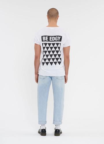 86dc319d195eee Egal ob mit Print oder Basic, langarm oder Tank-Top - hier findet ihr  verschiedenste Shirts.