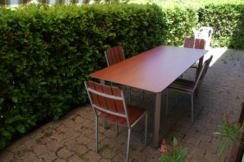 Table inox rectangulaire pieds droits.JP