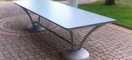 Table rectangulaire pieds bombés inox