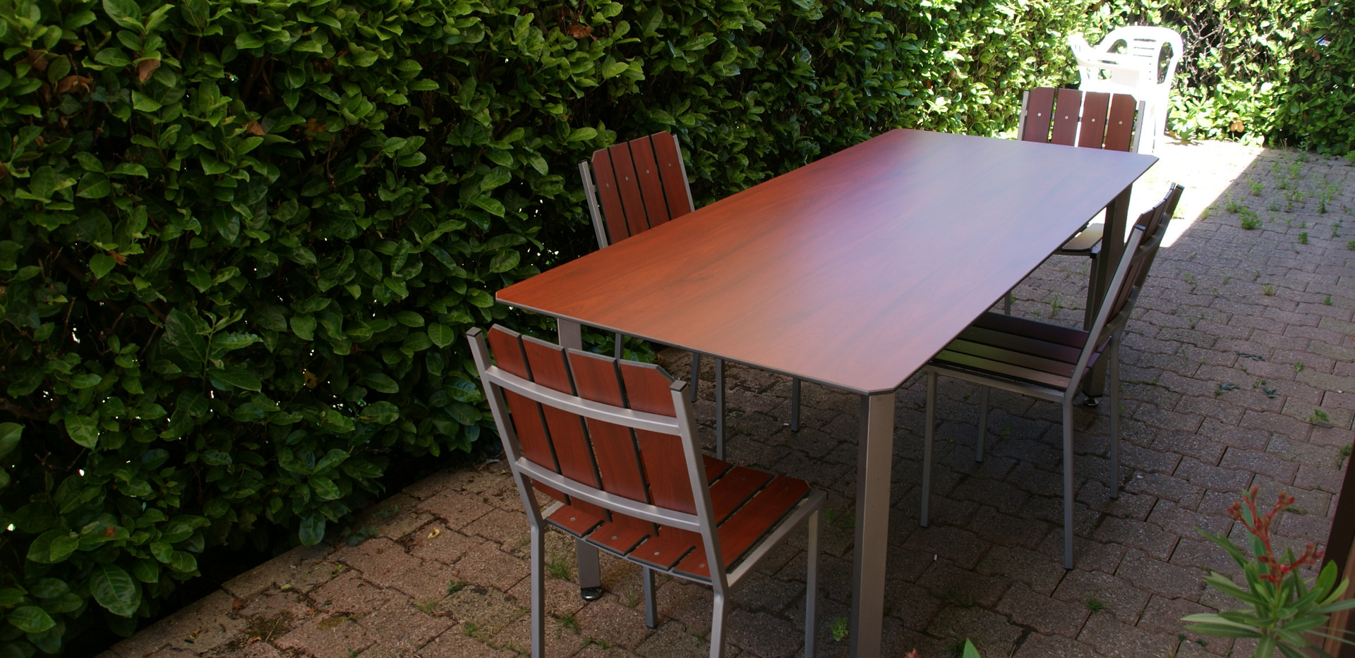 Table rectangulaire pieds droits inox