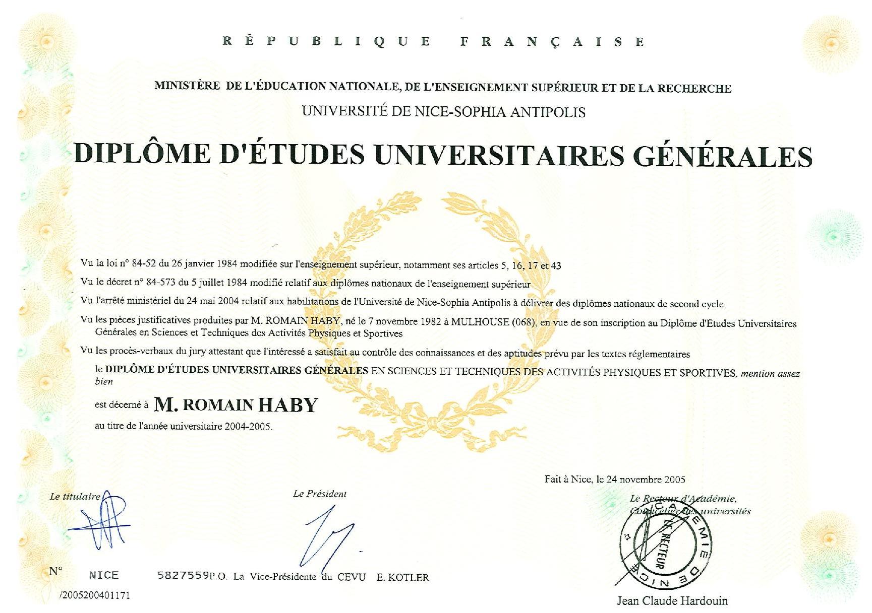 diplomes (glissé(e)s) 2-page-001_edited.jpg