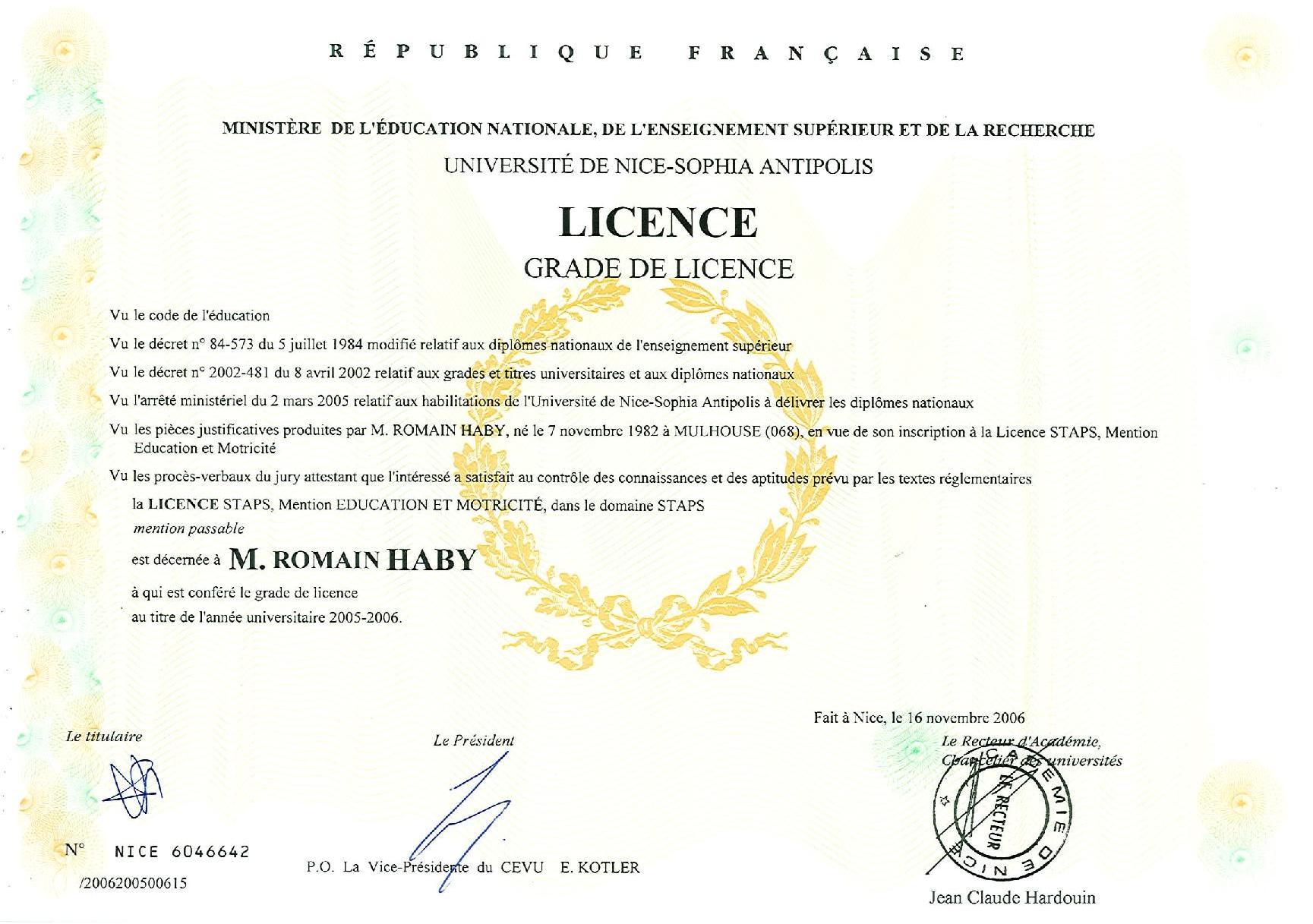 diplomes (glissé(e)s)-page-001_edited.jpg