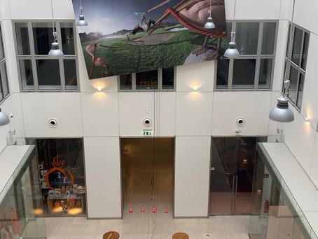 Große Kunst im Passagenviertel Aktion: Der rote Faden