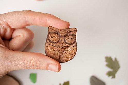 Smart owl necklace or brooch - hand carved olive