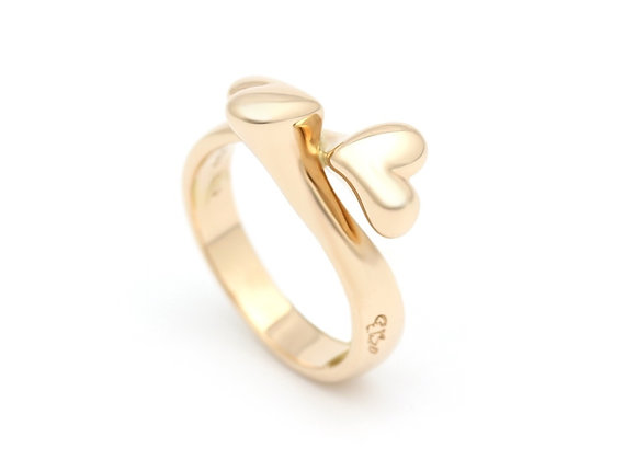 Classic Sweetheart Swing ring