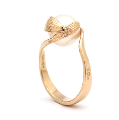 Daphne Changeling ring