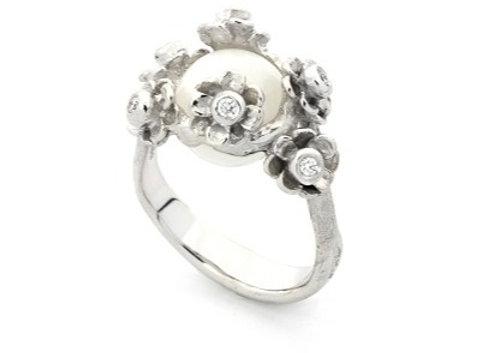 Happy Flower Changeling Ring