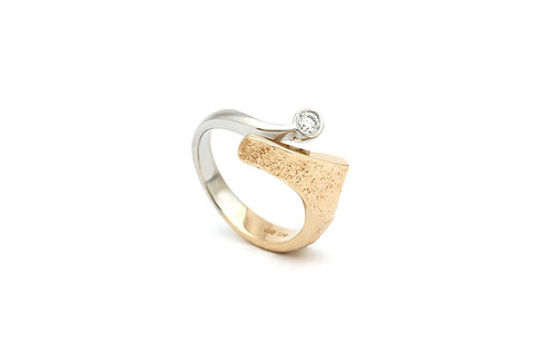Classic two colored ring