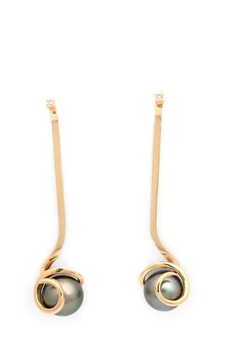 Una Changeling earrings
