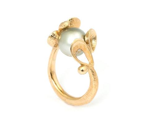 Violina Changeling ring