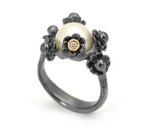 Happy Flower Changeling Ring