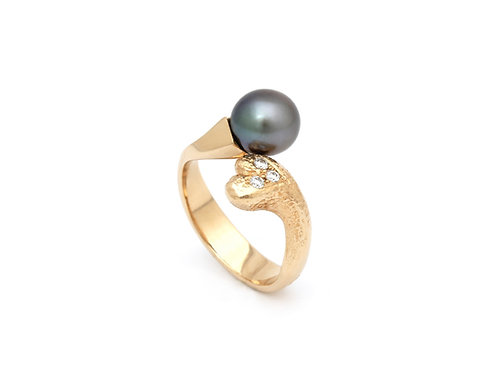 Classic Heart ring with tahiti pearl