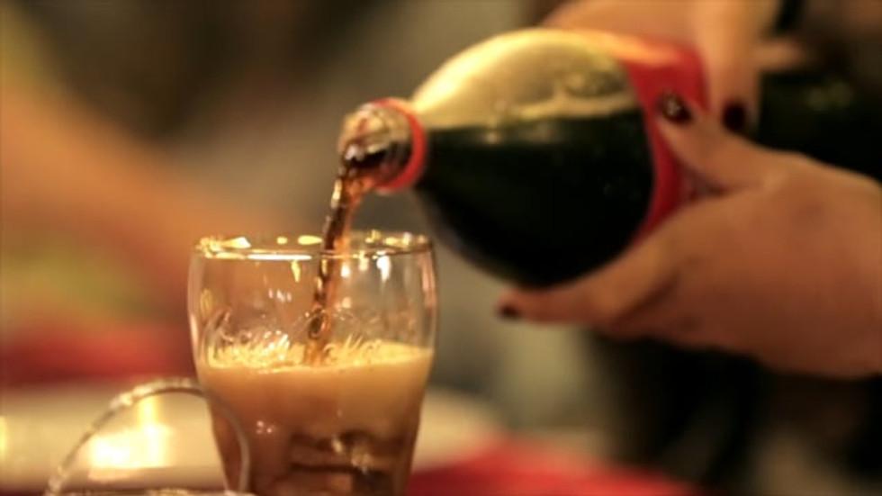 Coca-Cola - Mesa da Felicidade
