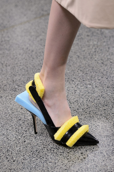 A new shoe trend has now created a buzz- sponge shoes!