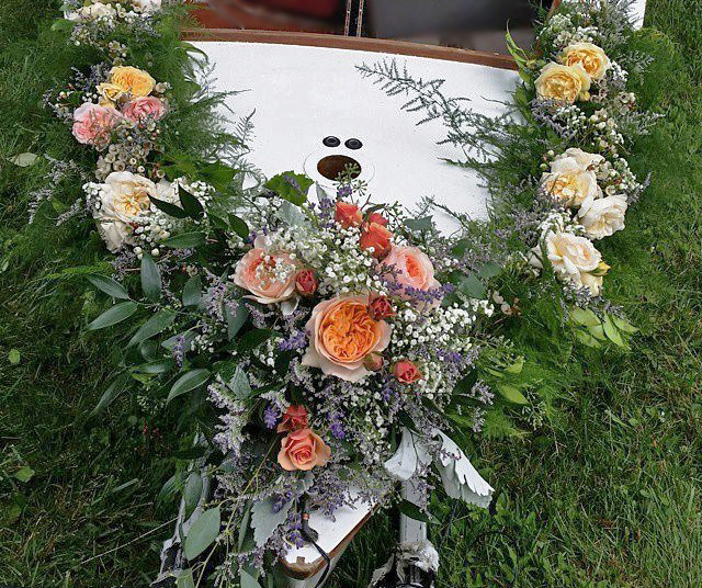 wedding boat.jpg