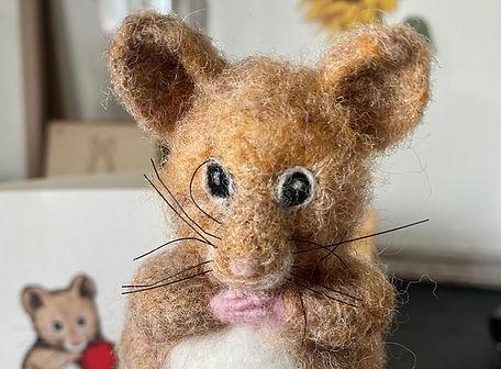 Felt Mouse 1.jpg