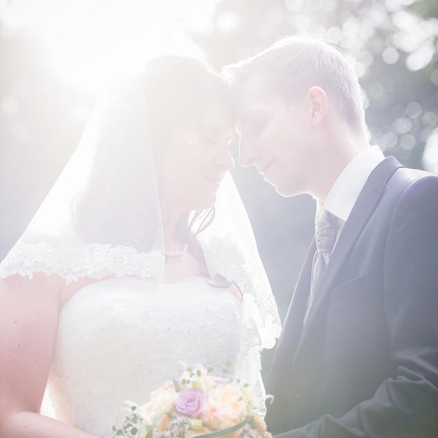 Brautpaar belichtet.jpg