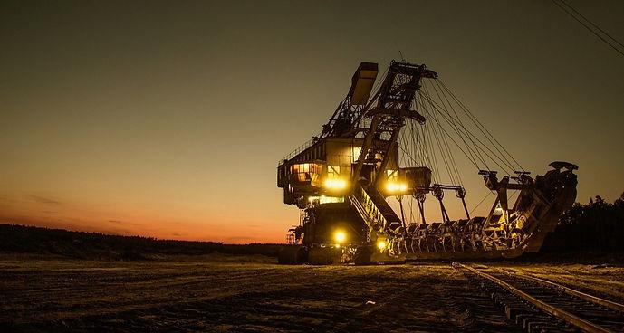 mining-excavator-1736293_1280_edited.jpg