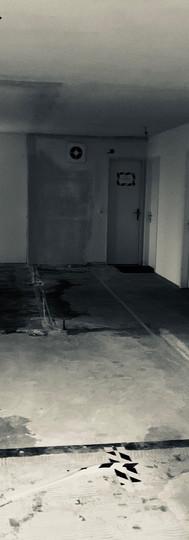 """Couloir avant pose des sols et du """"monolithe"""""""