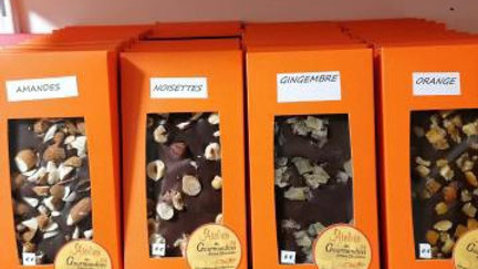 Tablette Chocolat Noir Noisettes  Equateur 64%