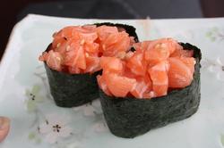 Gunkan tartare saumon