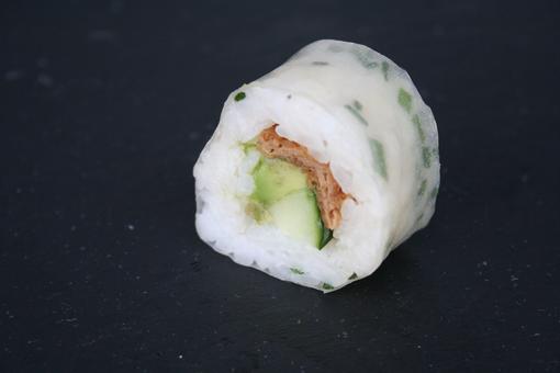 Rice roll inari avocat concombre