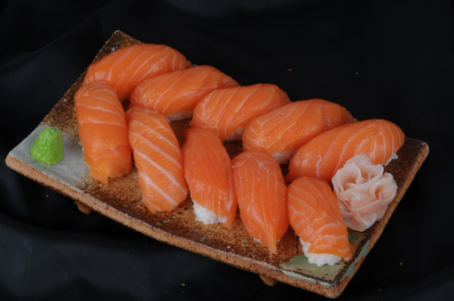 Assortiment sushi saumons