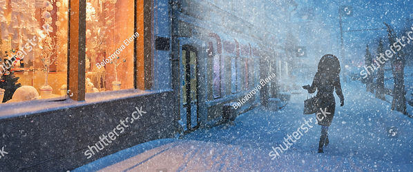 stock-photo--blizzard-in-christmas-city-