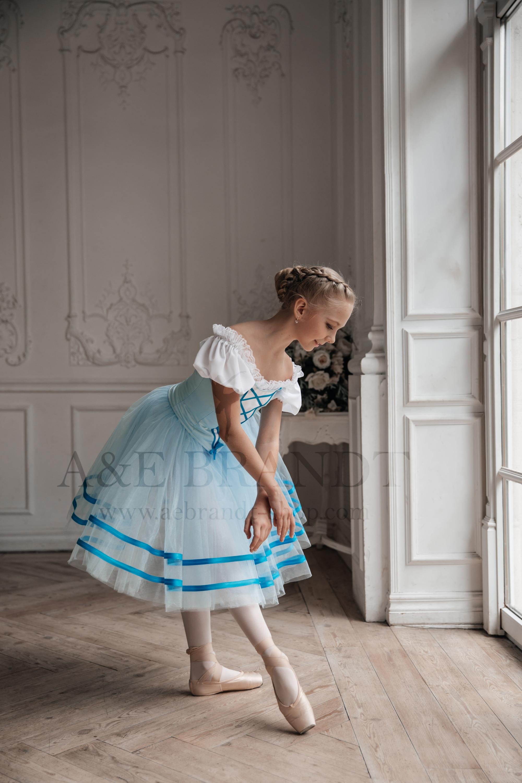 Giselle from Giselle Ballet 2 Girl Roman