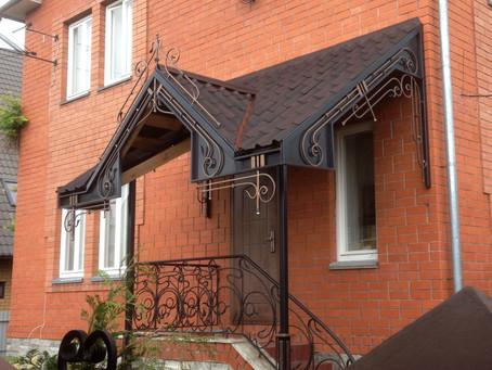 Что надо знать при покупке металлических дверей на улицу