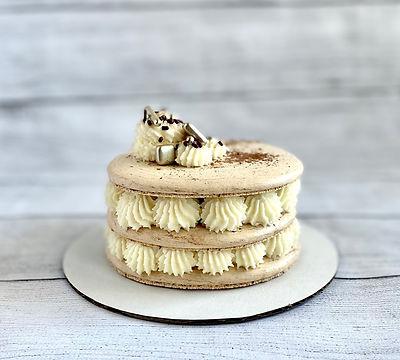 tiramisu maccake.jpg