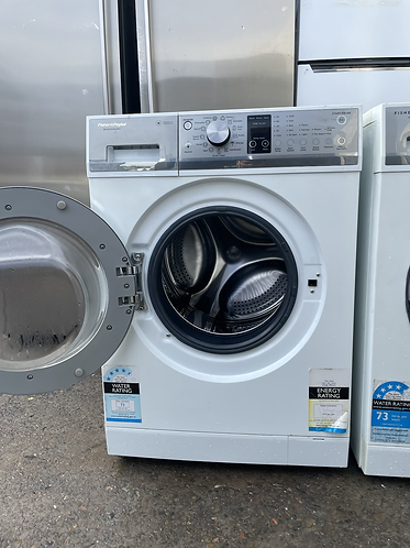 FISHER AND PAYKEL 8.5 KGS WASHING MACHINE .