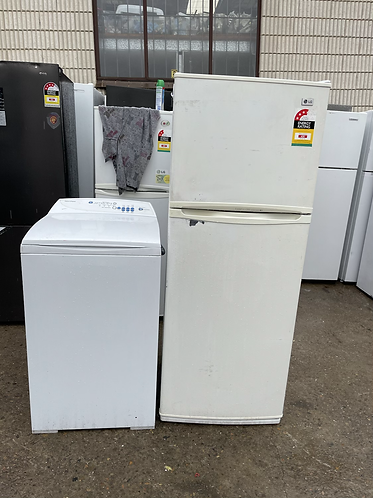 LG 215 LITRES FRIDGE FREEZER AND FISHER AND PAYKEL 5.5 KGS WASHING MACHINE .