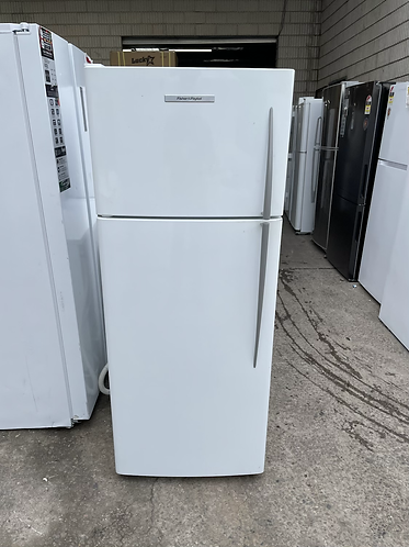 FISHER AND PAYKEL 380 LITRES FRIDGE FREEZER .