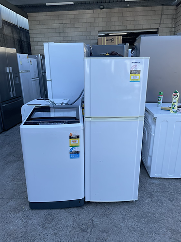 SAMSUNG 233 LITRES FRIDGE FREEZER AND EUROMAID 6.5 KGS WASHER .