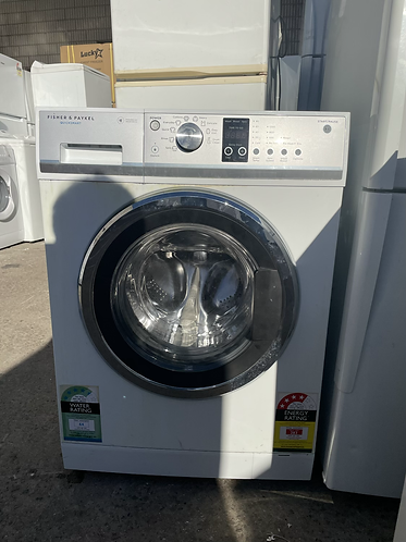 FISHER AND PAYKEL 7.5 KGS WASHING MACHINE .