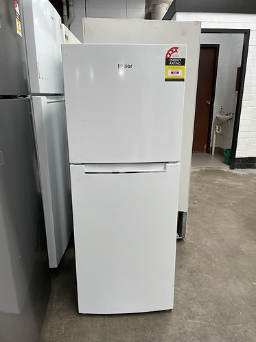 HAIER 221 LITRES FRIDGE FREEZER