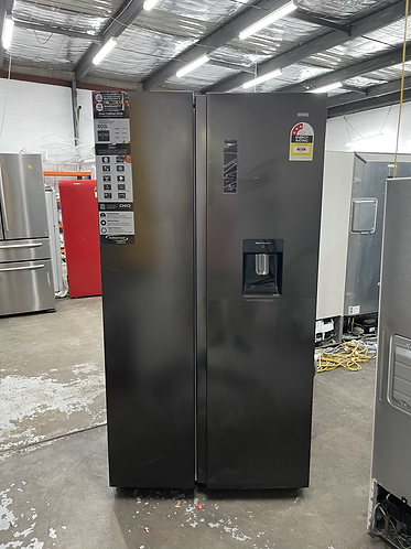 CHIQ 600 LITRES SIDE BY SIDE DOOR FRIDGE FREEZER,IN EXCELLENT WORKING CONDITION