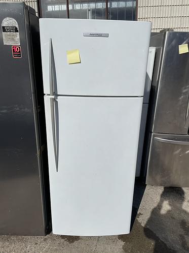 FISHER AND PAYKEL 447 LITRES FRIDGE FREEZER .