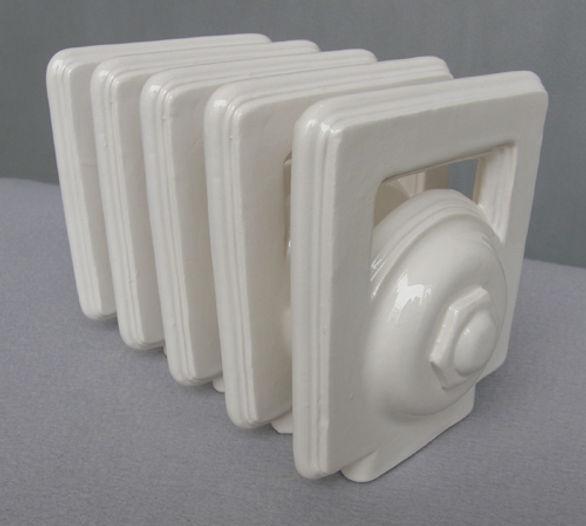 Slip-cast ceramic Toast-rack