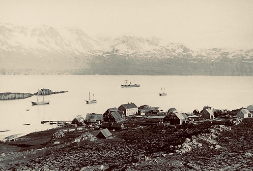 Sepia photo of Akureyri port sometime in the early 1900s.