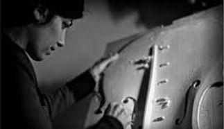 anne luthiere.jpg