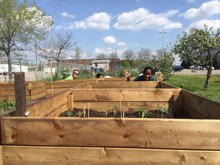 Gardening with The GARDENS Pod Project for a Good Cause