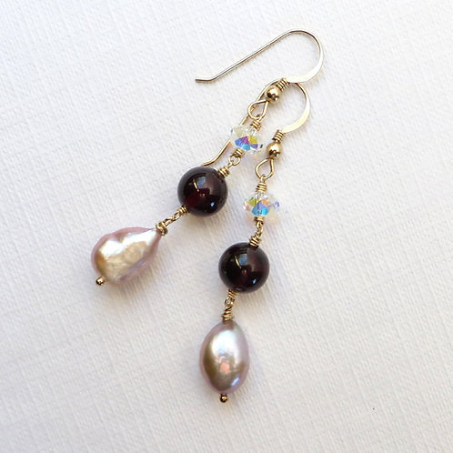 Garnet and Lilac Baroque Pearls Gold Earrings
