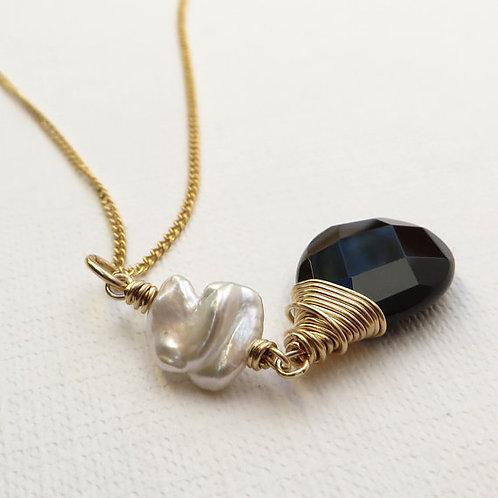Monochrome Black Onyx White Keishi Pearl Gold Necklace