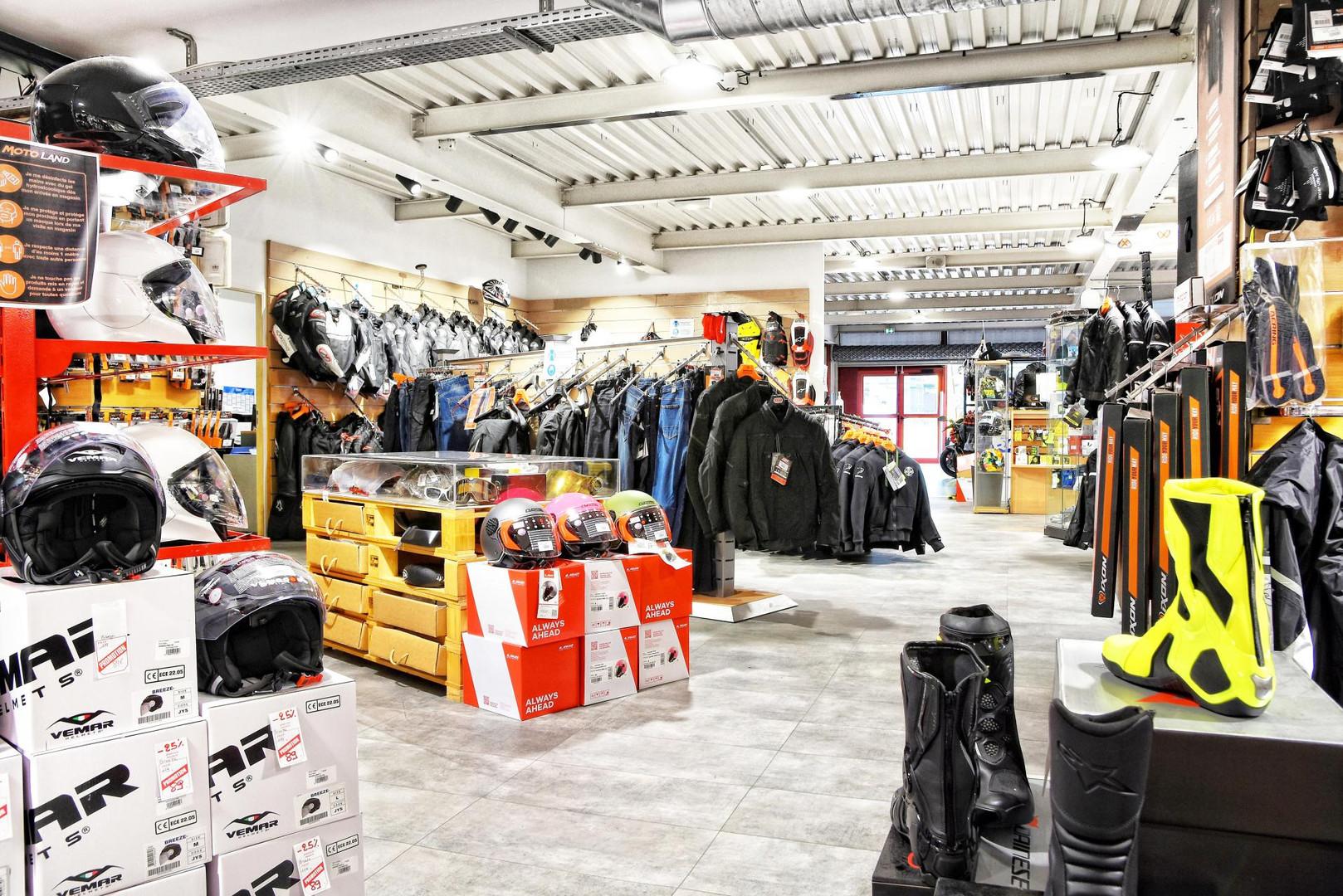 Accessoires Motoland Calais (2).JPG