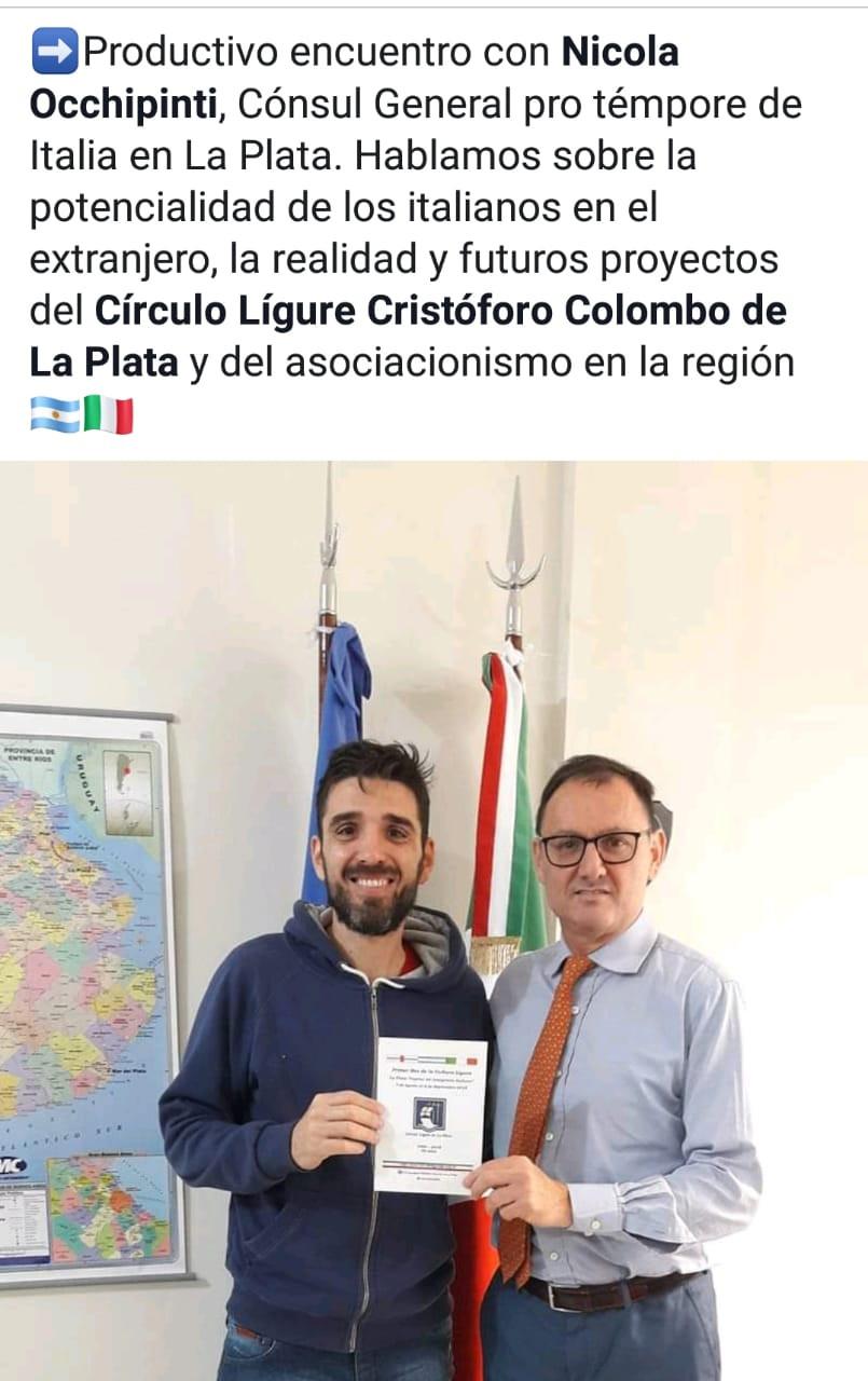 Mauricio Tarsitano junto al Cónsul General por témpore de Italia en La Plata, Nicola Occhipinti.
