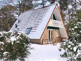 Bungalow en Harfesen con la misma forma de estas casas prefabricadas.