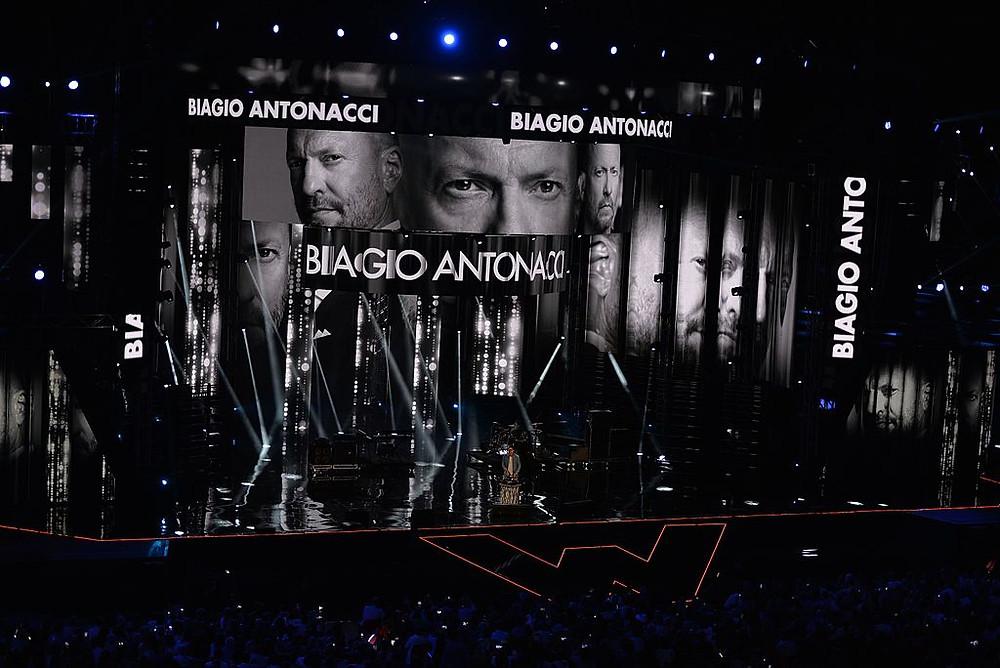Biagio Antonacci @ Wind Music Awards 2016 / image credit: Raphael Mair / CC BY-SA (https://creativecommons.org/licenses/by-sa/4.0)